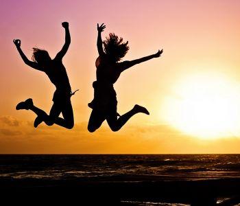 Zo vergroot je je geluk: 4 wetenschappelijke manieren!