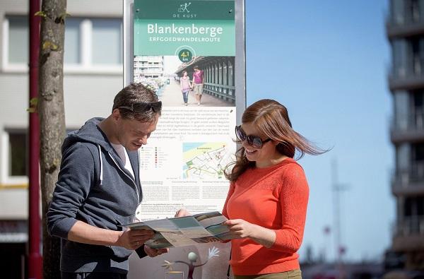 6 wandelen_met_kaart in Blankenberge