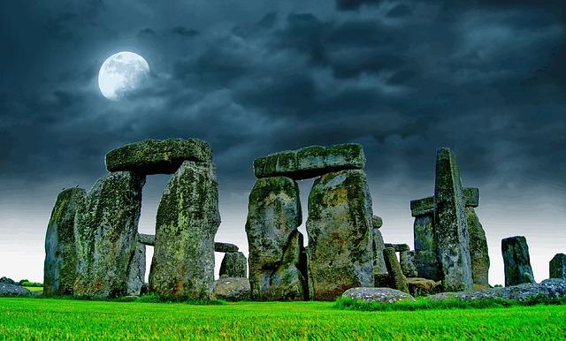 stonehenge-741485_640