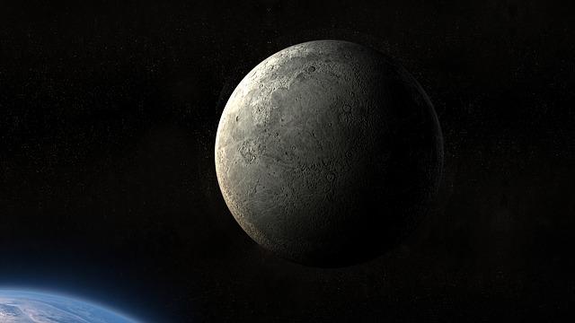 moon-1816129_640