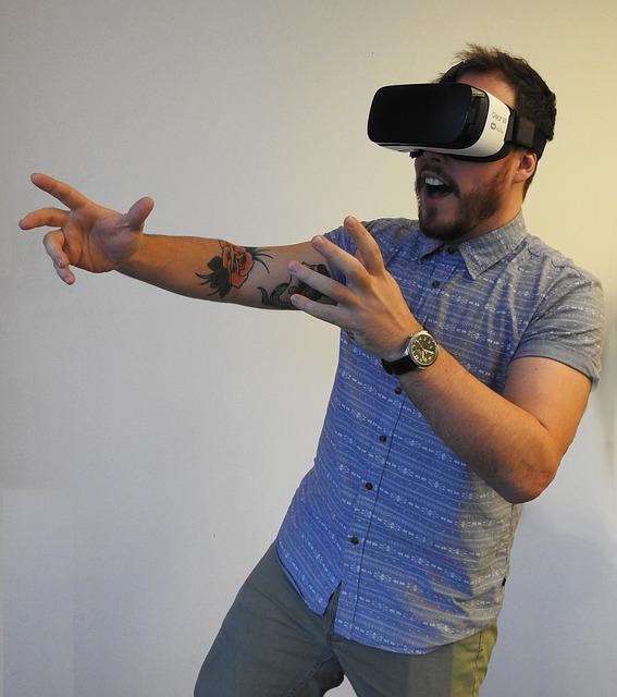 virtual-reality-1389034_640