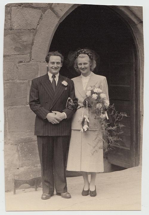 Godelieve De Rijcke (1928) en Stan Creighton (1923-1987) trouwden op 22 juli 1948 in het Noord-Engelse Morpeth.