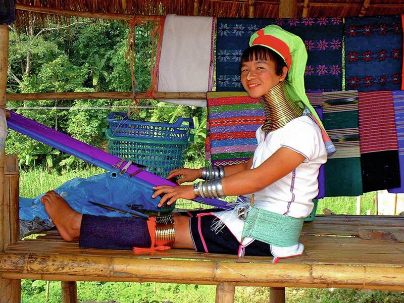 nachtleven en thaise meisjes in hua hin