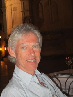 Keukenbouwer Luc Dehertefelt van Alkas is vaste partner van SenNet ...