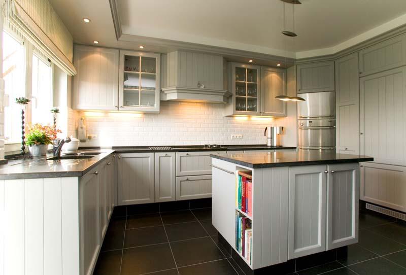 De startpagina voor nederlandse senioren de actieve 50 plussers - Witte keuken voorzien van gelakt ...